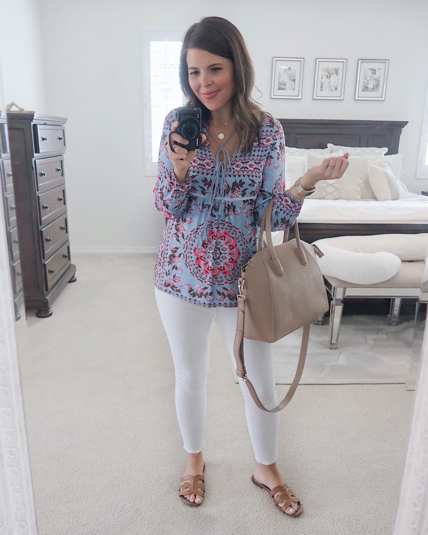 amazon try-on brie_bemis_rearick_amazon_r.vivimons_floral_print_ruffle_boho_blouse_1