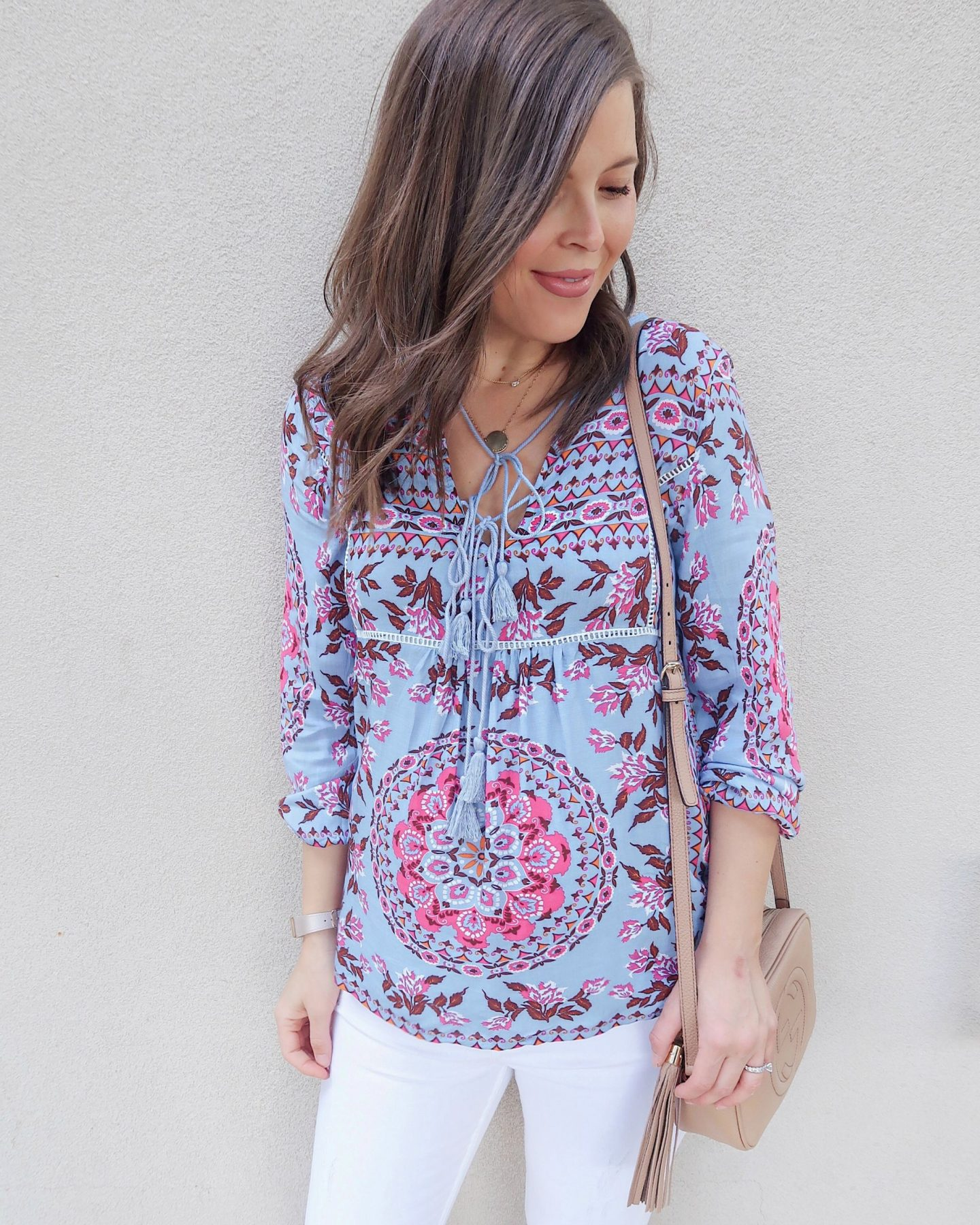 amazon try-on brie_bemis_rearick_amazon_r.vivimons_floral_print_ruffle_boho_blouse_2