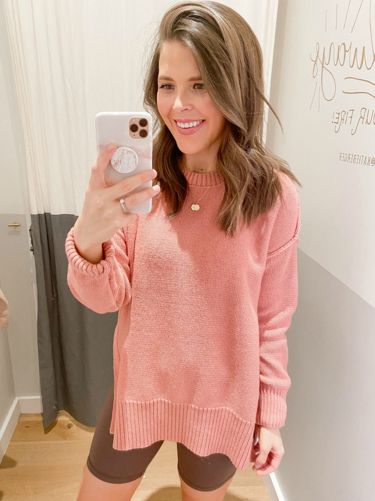 10_brie_bemis_rearick_american_eagle_aerie_try_on_session_spring_2020_desert_oversized_sweater
