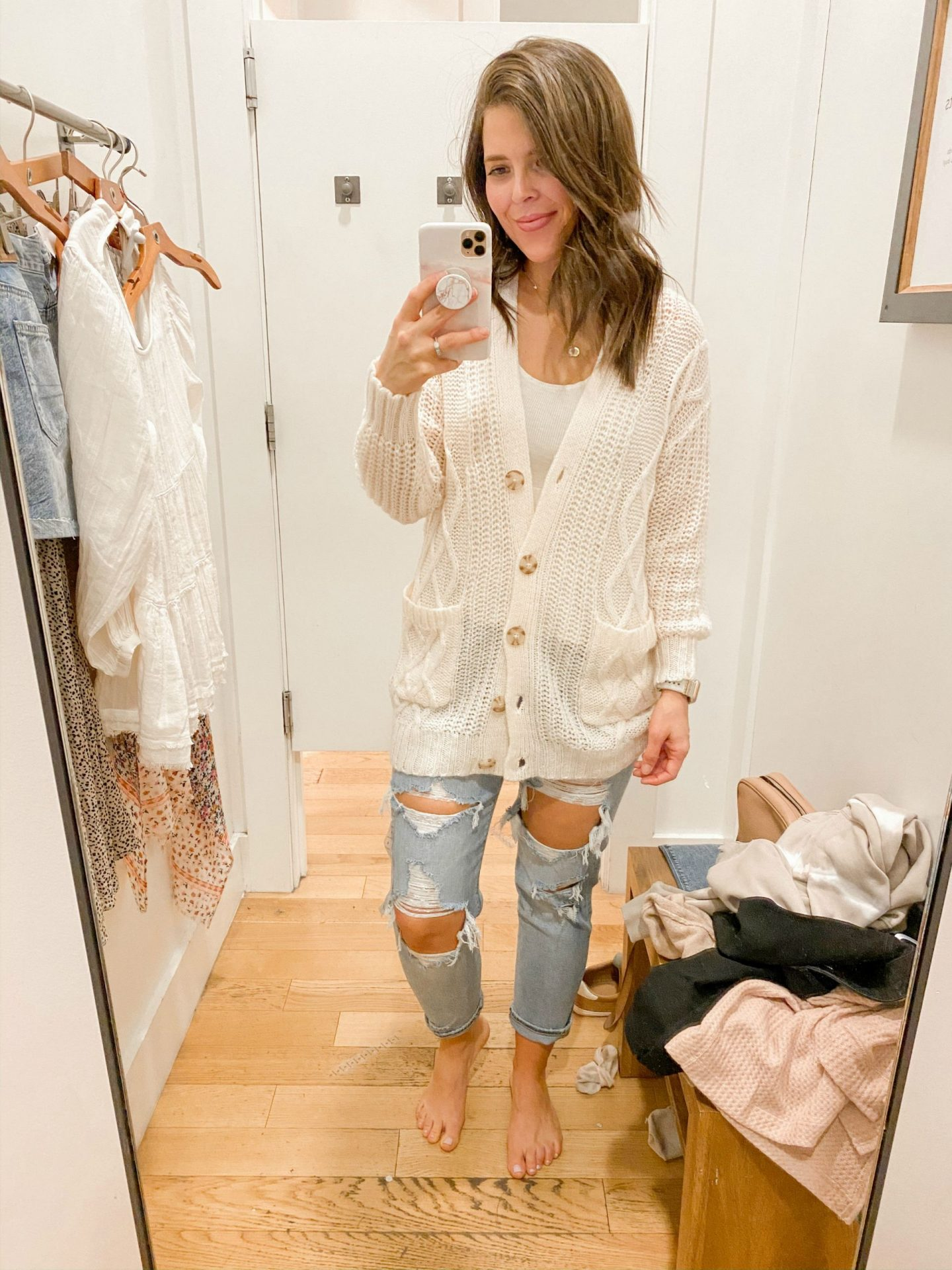 7_brie_bemis_rearick_american_eagle_aerie_try_on_session_spring_2020_oversized_cardigan
